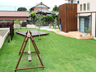 広々とした芝生で様々なお庭の楽しみ方を