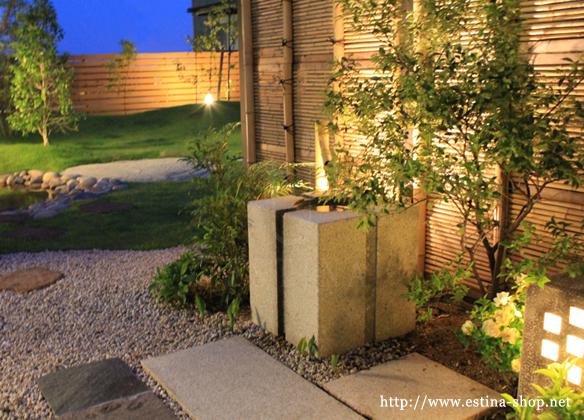 ライトアップされたお庭を眺めながら、優雅で癒しのひと時を。