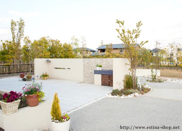 タイルテラススペースは、お子様が遊ぶ場であり、家族や友人とくつろぐ場